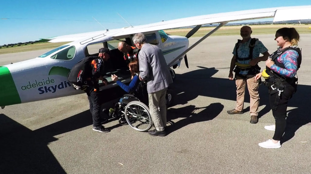 Shirley Elliot Handicapable tandem skydive