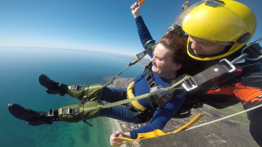 Shirley Elliot Handicapable tandem skydive gliding