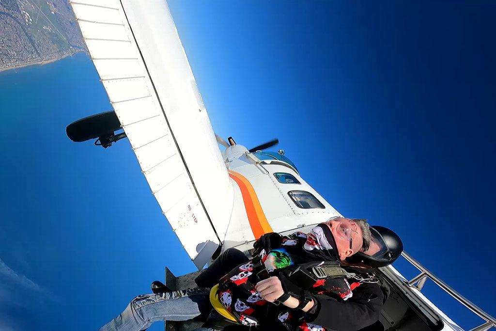 Tandem Skydiving at 15000 Feet
